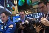 Wall St. flat, but Internet names support Nasdaq