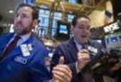 Broken image for Wall Street edges lower; investors look for profit growth