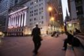 US stocks end lower as energy stocks slump on earnings