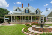 Broken image for 11 Beautiful Mansions You Can Buy For Cheap