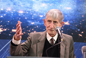 Legendary physicist Freeman Dyson talks about math, nuclear rockets, and astounding things about the