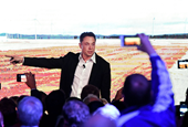 Tesla Twitter is a battleground where legendary hedge-fund managers and amateur investors gather to