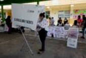 Quick count gives lead to ruling party in key Mexico State