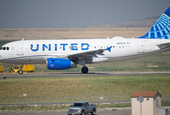 United Airlines posts $434 million 2Q loss but revenue up