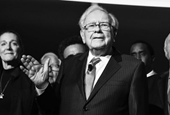 Warren BuffettBelieves 3 Decisions in Life Separate Those Who Succeed from Those Who Fail